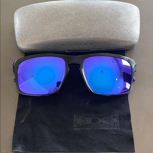 Oakley polarized men's sunglasses